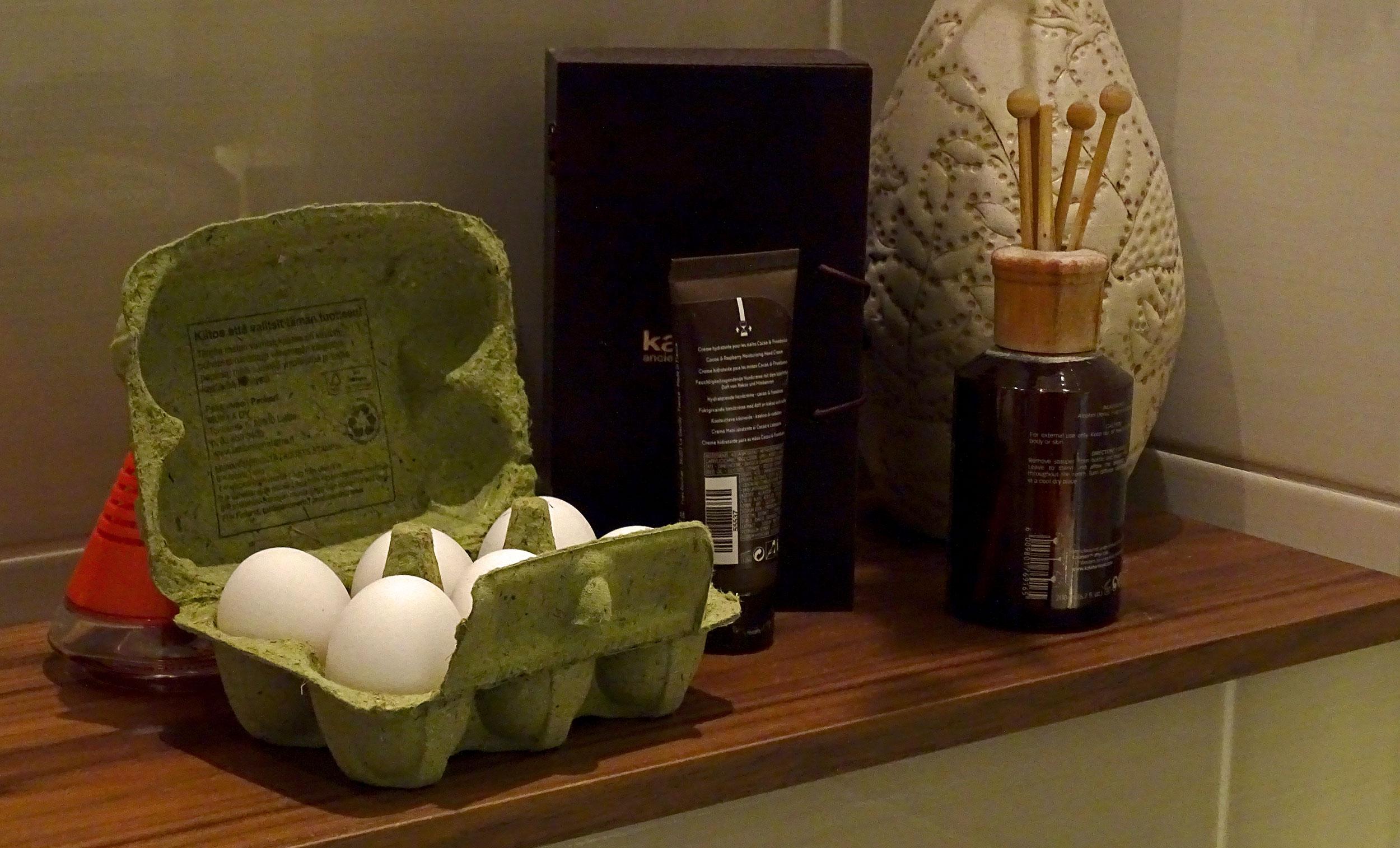Tiesitkö: kananmunalla voi pestä hiukset – poistaa tehokkaasti rasvan