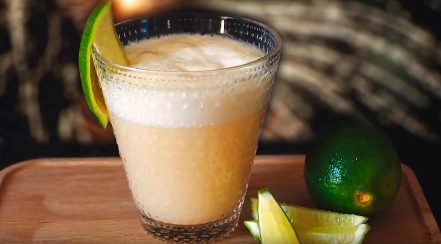 Uudenvuodenaaton juhlat käynnistyvät energisesti protein smoothie -drinkillä!